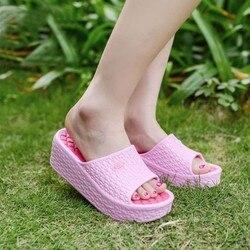 Dicken Sohlen Hausschuhe Sommer Komfortable Plattform Flache Schuhe Damen Rutschen Nicht-slip Solide Hause Casual Strand Loch Schuhe Sandalen