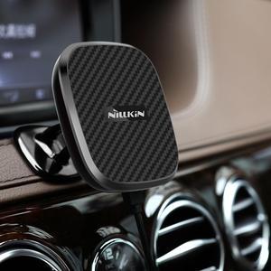 Image 2 - Nillkin 10 Вт Быстрое беспроводное автомобильное зарядное устройство с магнитным держателем чехол для iPhone 11 Xs Max Xr X 8 для Samsung S10 S10 + Note 20