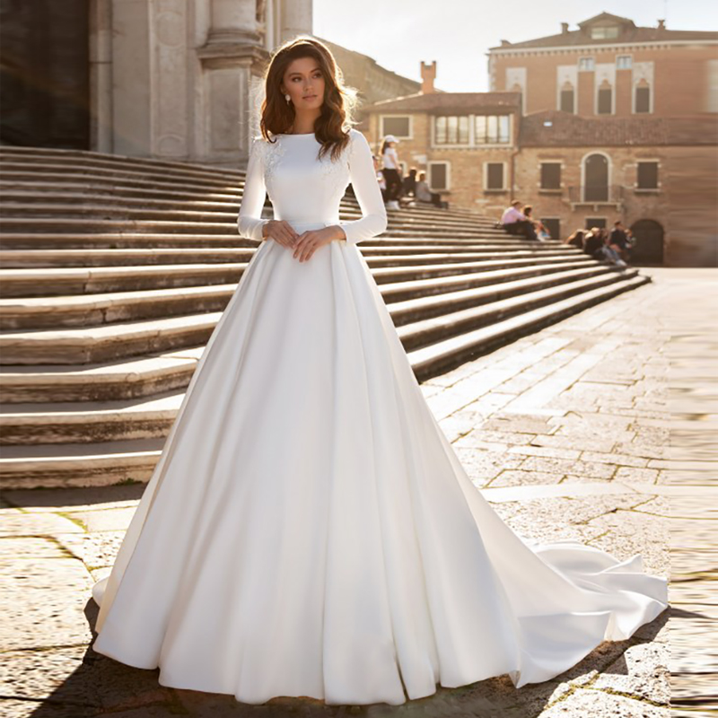 Plus Size Vintage A-line Lace Wedding Dress Ivory Satin Wedding Gowns Long Sleeve Bride Dress Abito Da Sposa Muslim Wedding