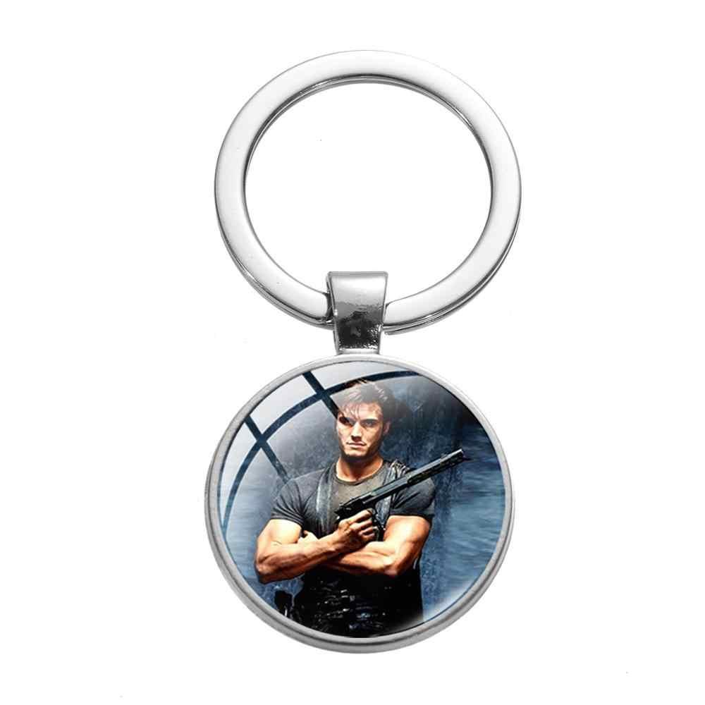 고딕 해골 로고 이미지 유리 키 체인 영화 처벌 포스터 유리 카보 숑 가방 열쇠 고리 친구를위한 수제 기념품