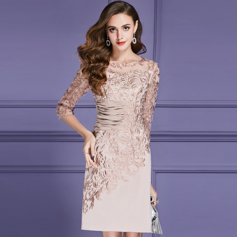 Nude Pink Embroidery Slim Fit 2020 Mother Of The Bride Dresses  Lace Wedding Party Dress Mother Dresses For Wedding Formal Gowns