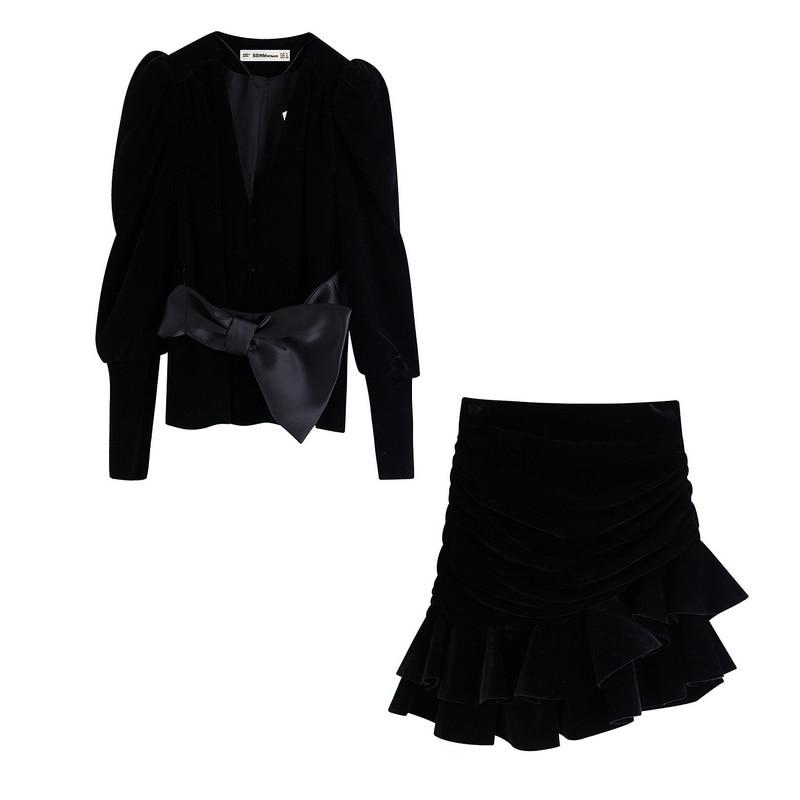 Women Sets Autumn 2019 New Fashion Black Velvet Fabric Puff Sleeve Top Outwear And Mini Ruffle Skirts
