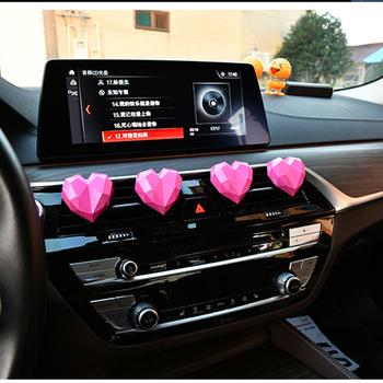 Geometria wzór serca odświeżacz powietrza do samochodu moda styl miłości odświeżacz do samochodu dekoracja samochodu zacisk wentylacyjny dobry zapach zapach zapach tanie i dobre opinie CN (pochodzenie) BDA-001 car air freshener 2 5cm Stałe 1 stick 0 05kg air fresheners for car Car air freshener cute Air car freshener