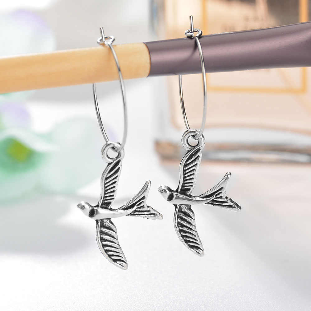 Europe Silver Color Bird Hoop Earrings Animal  Stereoscopic Cute Animal Earrings With Pendant Lovely Fashion Earrings Jewelry