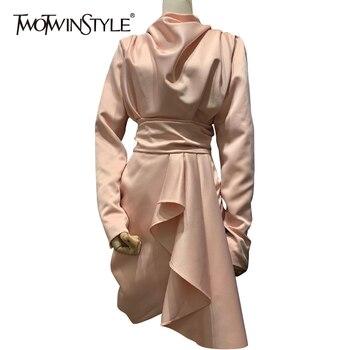 TWOTWINSTYLE fruncido delgado vestido de cuello de tortuga para mujeres de manga larga de alta cintura Irregular Hem Mini Rosa Vestidos Mujer 2020 novedad de verano