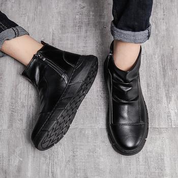 PUPUDA męskie buty zimowe skórzane buty męskie modne męskie buty wsuwane trampki męskie nowe buty śnieżne męskie ciepłe buty Chelsea tanie i dobre opinie Chelsea Buty CN (pochodzenie) Syntetyczny ANKLE Stałe Dla dorosłych NONE Okrągły nosek RUBBER Zima Mieszkanie (≤1cm)