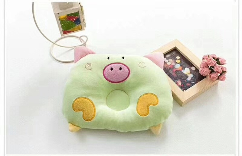Newborns Baby Popularity Hot Selling Baby Pillow Extra-value Two Pieces--Love Card Through Piggy  Pattern Velvet Cloth