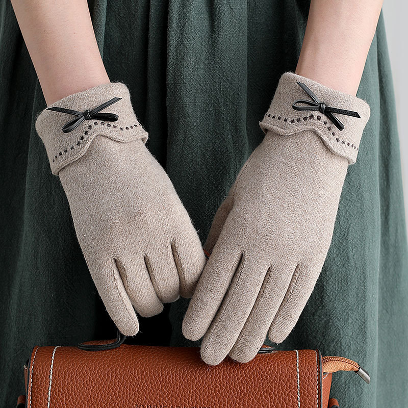 Sparsil Women Keep Warm Touch Screen Glove Thin Add Cashmere Cycling Elegant Female Bow-knot Elasticity Soft Embroidery Mittens