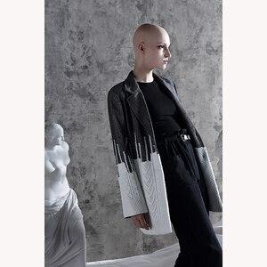 Image 3 - [Eam] solto ajuste contraste cor solto ajuste camisola jaqueta nova lapela manga longa casaco feminino moda maré primavera outono 2020 1a308