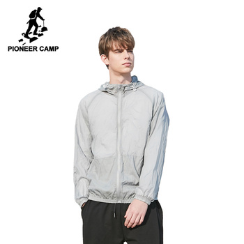 Pioneer Camp Mens Summer Hooded Jackets Casual Thin Male Windbreakers Bomber Black Hommes Sunscreen Outdoor Jackets AJK901050