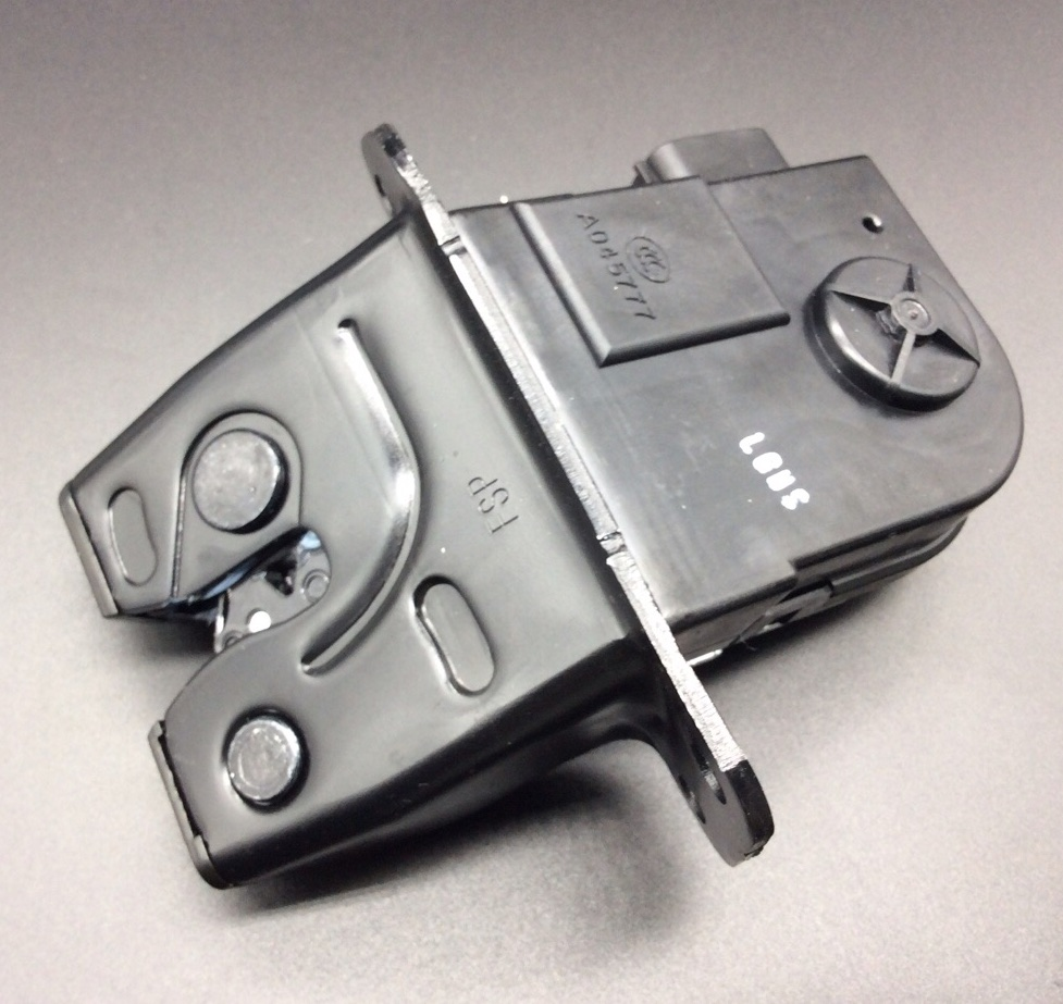 for Hyundai Veloster trunk rear tailgate boot luggage door lock motor actuator 812302V000