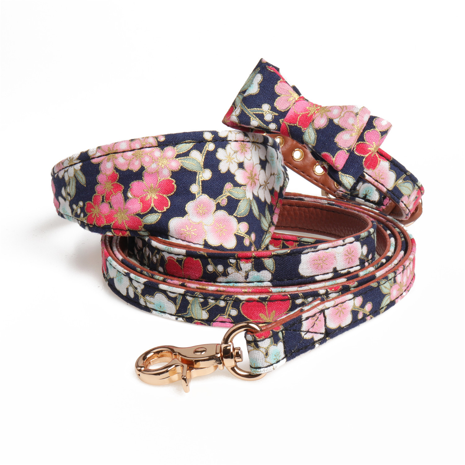 Amin Lattice And Wind Bronze Dog Collar Pet Triangular Scarf Collocation Dog Chain Haulage Rope Package