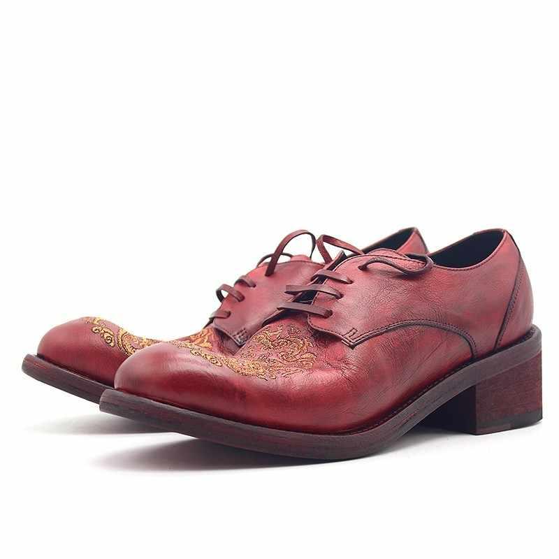 2020 Runway Fashion Red Chinesischen Stil Bestickte Echtem Leder Derby Schuhe Runde Toe Lace Up Luxus Leder Kleid Schuhe Männer