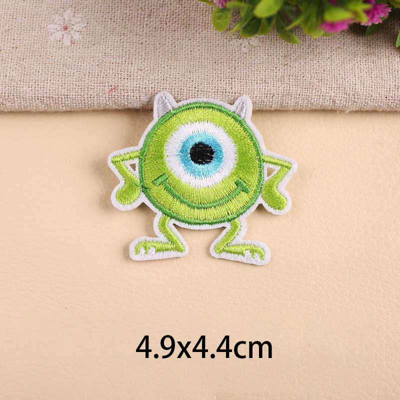 1Pcs Cute Dogs Big Eyes Monster Iron On Embroidered Clothes Patch For Clothing Stickers Flying Dragon Garment Apparel Accessory