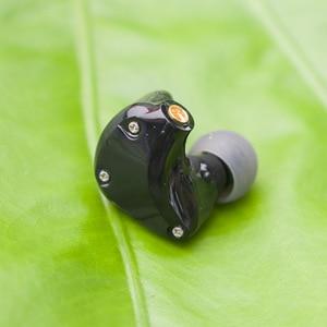 Image 4 - D2 스테레오 하이브리드 이어폰 1BA + 1DD MMCX HIFI 이어 버드 맞춤형 MMCX 헤드폰 DJ 모니터 KZ 케이블 플레이어 용 전화 헤드셋