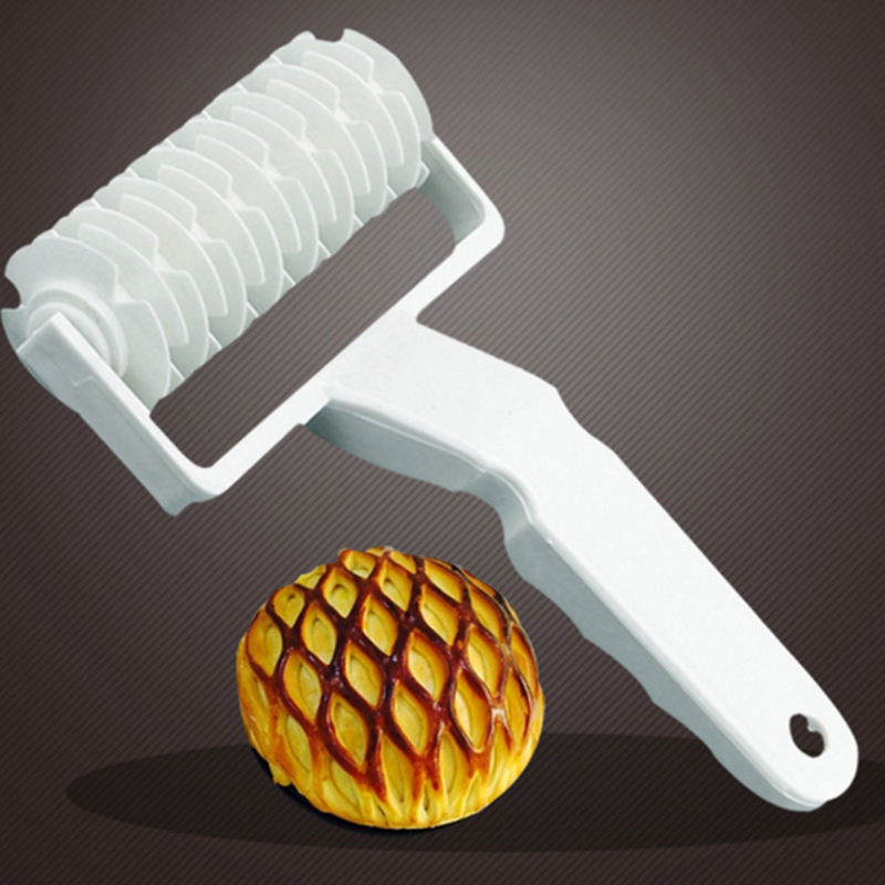 Baking Plastic Rolling Broaches Pie Pizza Knife Pastry Embossing Dough Rolling Process Home Kitchen Baking Tools