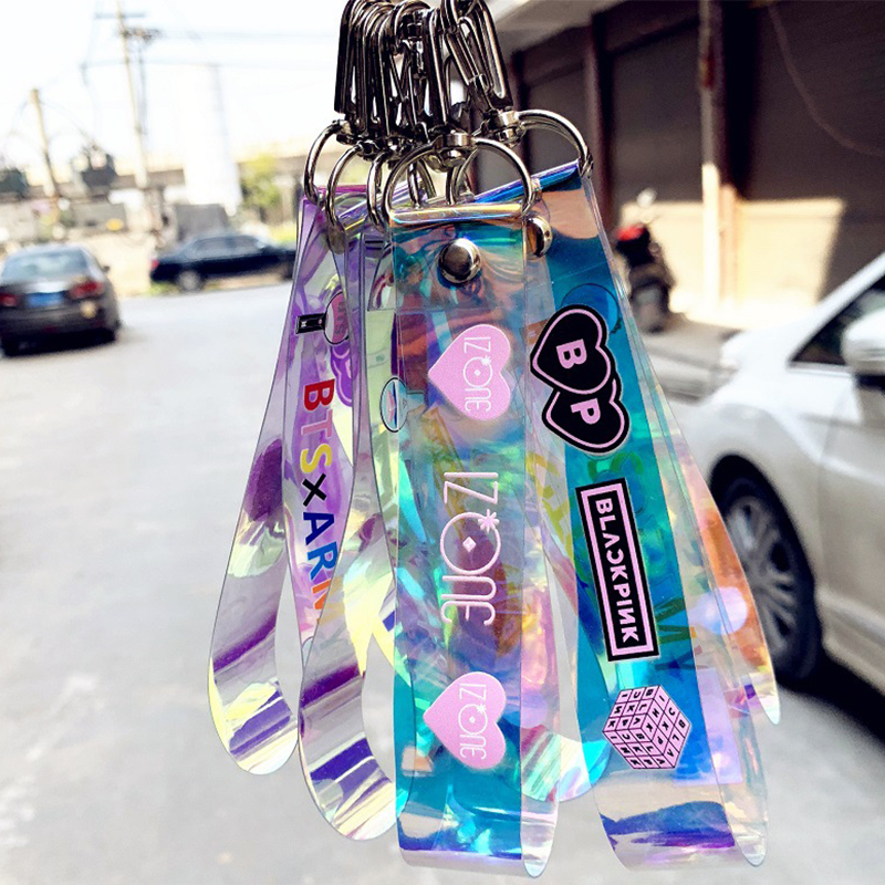Kpop Laser Keychain BLACKPINK GOT7 IZONE SEVENTEEN TWICE ROSE Keyrings Fashion Car Mobile Phone Key Chains Pendant Accessories