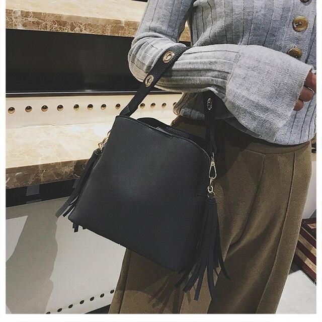 2019 New Fashion Scrub Women Bucket Bag Vintage Tassel Messenger Bag High Quality Retro Shoulder Bag Simple Crossbody Bag Tote 2
