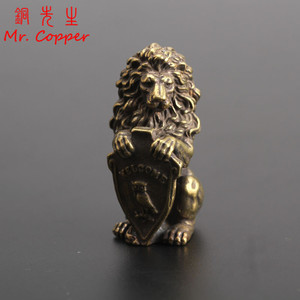 Koperen Leeuw Uil Shield WELKOM Gesneden Beelden Home Decor Brass Animal Miniaturen Beeldjes Woonkamer Decoraties Meubels(China)