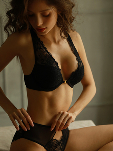 Image 1 - Wriufred סקסי חזיית תחתוני סט קדמי אבזם חזיית סט תחרה המעודנת רקמת V העמוק הלבשה תחתונה תחתוני סטים