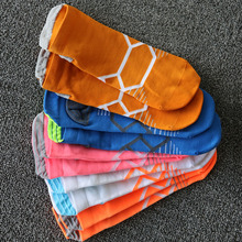 Fashion Style Outdoor Sports Running Breathable Socks For Men Women Protect Feet Hiking Basketball Sport Sock недорого