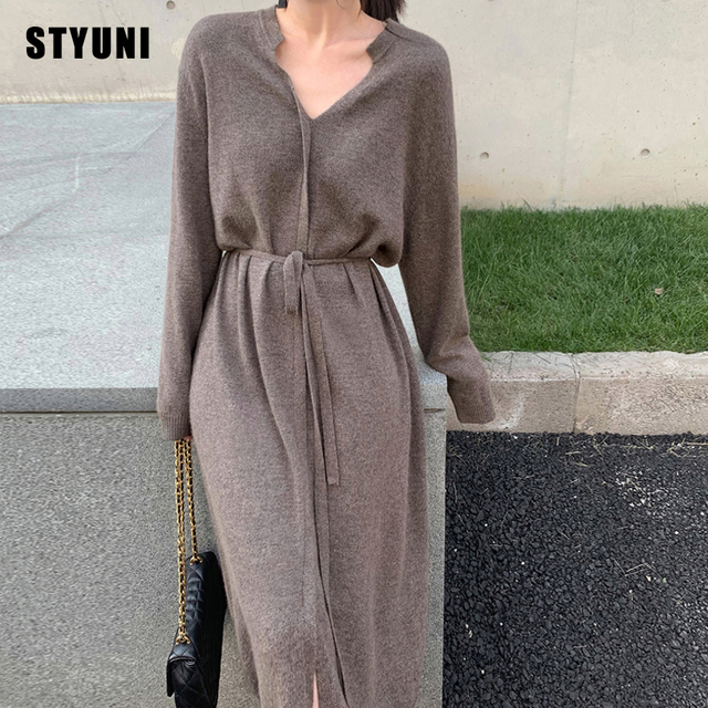Woman dress elegant pure color 2020 autumn new loose mid-length knit v-neck full sleeve casual cardigan dress female платье