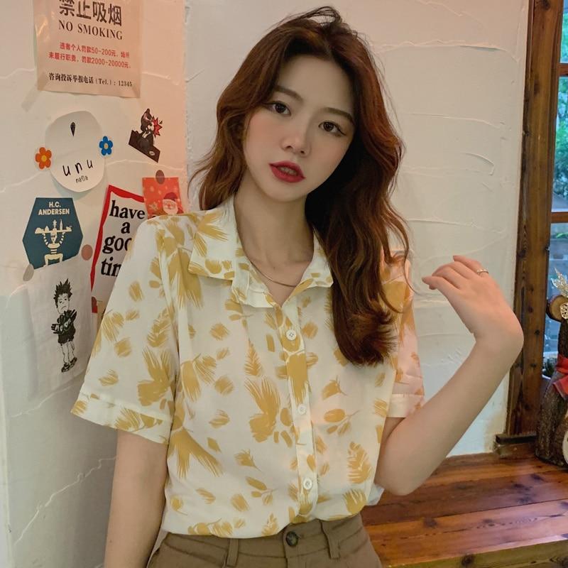 Sexy woman Summer New Hong Kong Style Floral Print Short-Sleeved Shirt Women's Top
