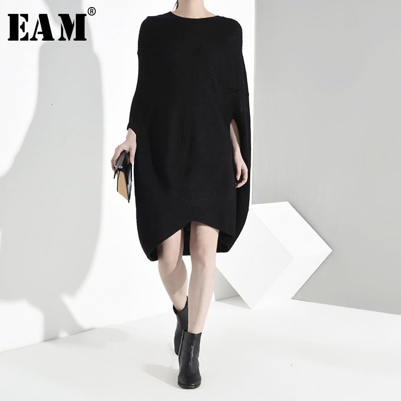 [EAM] Asymmetrical Big Size Knitting Sweater Loose Round Neck Long Sleeve Women Pullovers New Fashion Spring Autumn 2020 JO4590