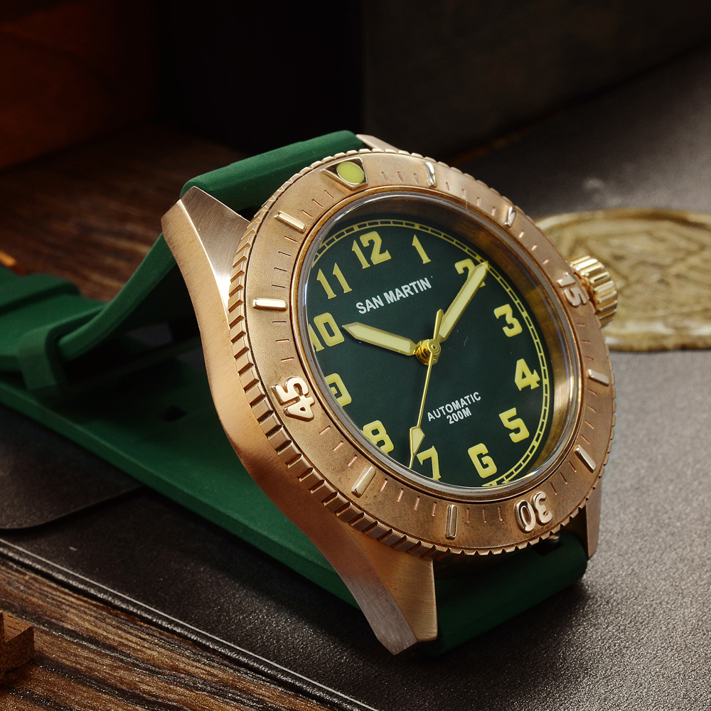 Image 2 - San Martin Diver Bronze Automatic Rotating Bezel Mens Mechanical Watch 200m Water Resistance Band Luminous DialSports Watches   -