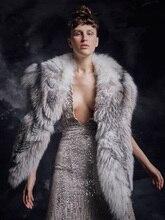 2020 luksusowe futro Tippet suknie na bal maturalny linii pełnej długości głębokie V Neck bez rękawów zroszony tkanina z cekinami sukienek suknie wieczorowe