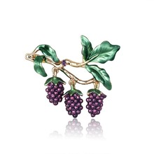 Personality Enamel Purple Grapes Brooches Green Leaf Fruits Brooch Pins Vintage Gold  Jewelry Coat Accessories Gift