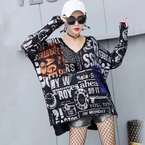 Image 5 - 스트리트웨어 편지 인쇄 긴 니트 착용 탑 여성 메탈릭 컬러 v 넥 스웨터 플러스 사이즈 느슨한 니트 튜닉