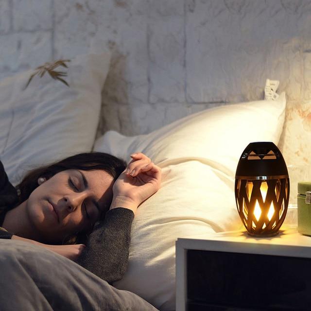 Draadloze Speaker Led Vlam Licht Speaker Draagbare Bluetooth Luidspreker Outdoor Speler Met Led Flame Torch Licht Flikkeren Licht