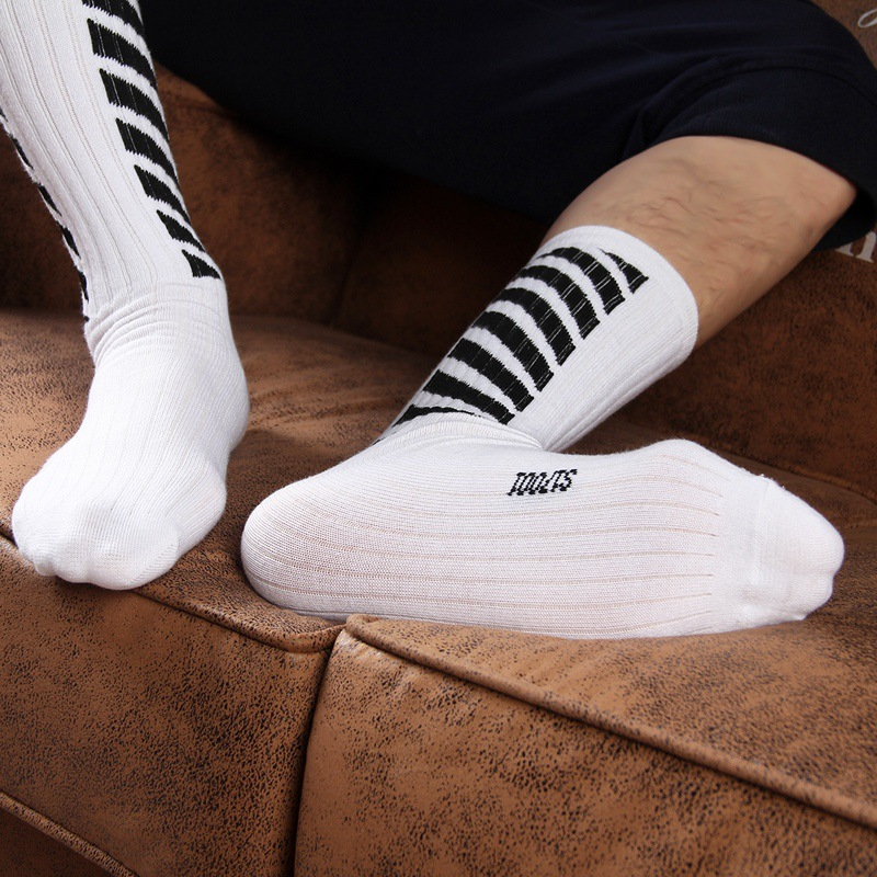 Harajuku Men's Crew Socks New Western Style Street Skateboard Cotton Mid-calf Athletic Socks Hiking Black White Sports Socks