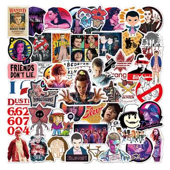 25 50 sztuk filmy Anime Stranger Things naklejki gitara bagaż laptopa deskorolka motocykl Tim Burton Outer Banks naklejki zabawki tanie i dobre opinie ZOENJANG CN (pochodzenie) 1 2in(3CM)-3 9 in(10CM) Waterproof PVC Leave trace instagram anime stickers children kpop random 1Pack 50g