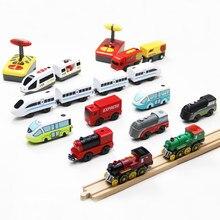 Elektrische RC Zug Set Fernbedienung Spielzeug Verbunden mit Holz Eisenbahn Auto Tracks Birhtday Weihnachten Geschenk für Kinder