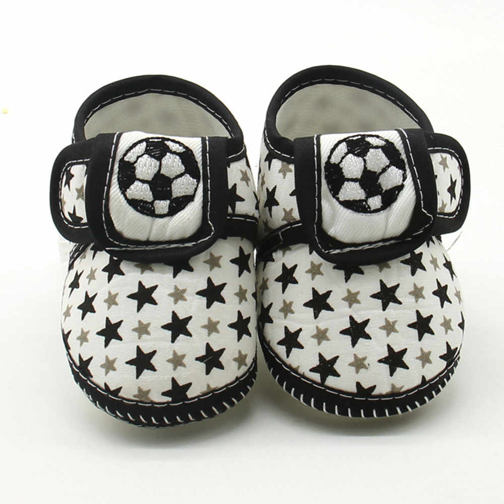 Yenidoğan bebek ayakkabı bebek kız erkek beşik ayakkabı Toddler yumuşak alt ayakkabı Kawaii yıldız desen çizmeler sevimli bebek pamuklu ayakkabılar 0 -18M