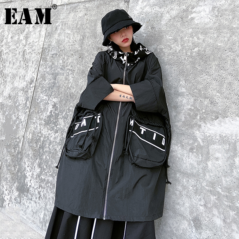 [EAM] Women Black  Letter Printed Big Size Trench New Hooded Long Sleeve Loose Fit Windbreaker Fashion Tide Spring 2020 1R502