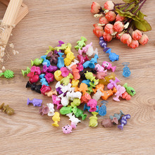 100Pcs/lot Cute Mini Suckers Dolls Marine Land Strange Animal Cupule kids Action Toy Capsule Model Suction Cup Puppets