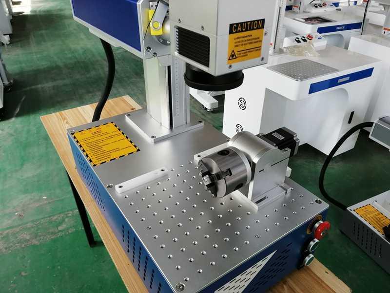 Venta caliente 20W 30W máquina de marcado láser de fibra todo en uno máquina de marcado mini acero inoxidable Metal rotativo adjunto