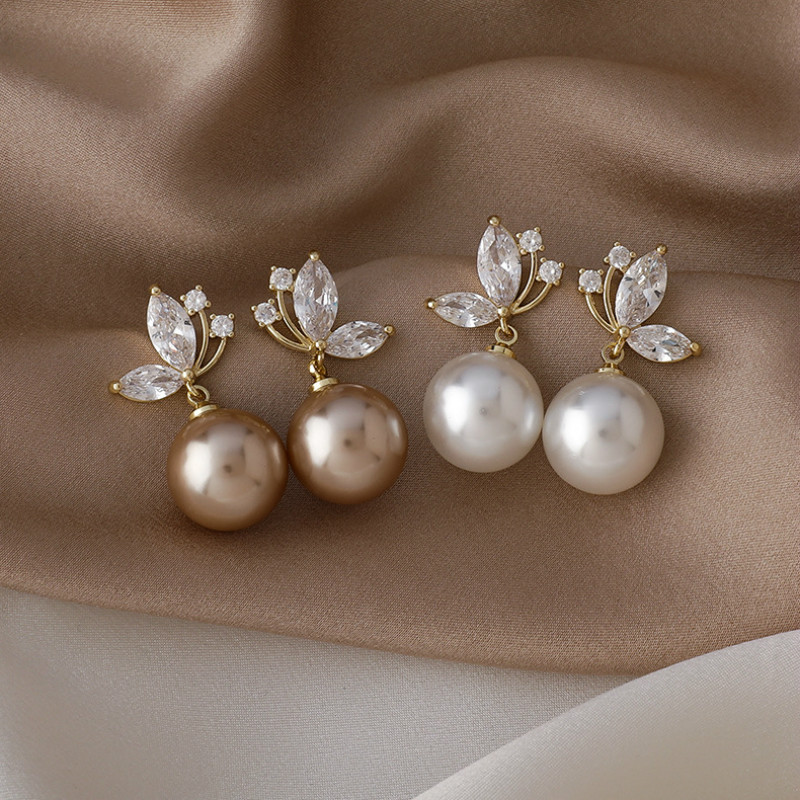 2021 South Korea New Exquisite Pearl Pendant Earrings Fashion Temperament Butterfly Earrings Elegant Lady Jewelry