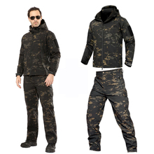 Kamuflaż ciepłe ubrania płaszcz przeciwdeszczowy kurtki taktyczne mężczyźni polarowa kurtka Softshell wodoodporne spodnie damskie wędkarskie spodnie do wędrówek pieszych tanie tanio PAVEHAWK Poliester Windstopper softshell Wodoodporna Wiatroszczelna Termiczne Anti-pot Antystatyczne 1 1kg Pasuje prawda na wymiar weź swój normalny rozmiar