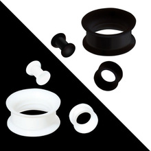 1Pair Black&White Silicone Plugs and Tunnels Flexible Thin Ear Tunnel Double Flared Ear Piercing Flesh Tunnel Ear Gauge Expande