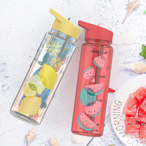 750ml Water Bottle With Straw Sports Outdoor Plastic Straw Water Bottle Fruit Pattern Cup With Capacity Scale Handle Kettle