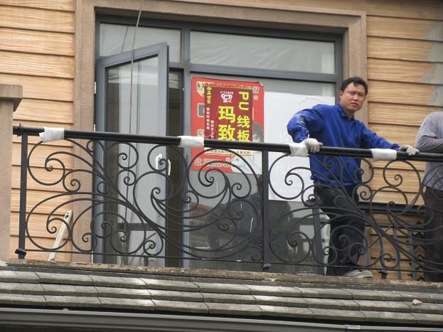 Hench Shanghai Factory Custom Design Wrought Iron Balcony Balustrades