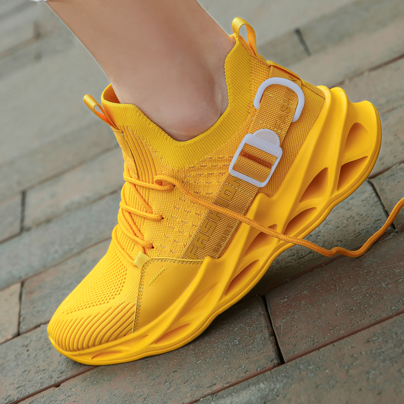2020 New Outdoor Men Running Shoes Men Jogging Walking Sneakers Men Sports Shoes High-quality Athletic Blade Bottom Sneakers