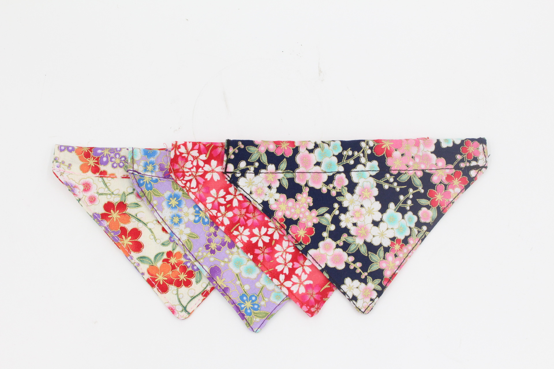 Berry Christmas Dacron Triangular Binder Pet Collar And Wind Triangular Binder Dog Bibs Pet Supplies