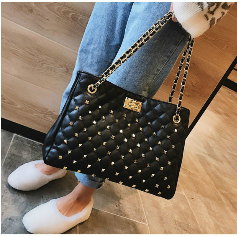 Women Rivet Large Chain Shoulder Bag Quilt Stitch Handbag Classic Famous Brand Designer Tote Bag Fashion Lady Crossbody Bag Sac