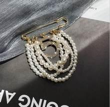 Lüks kristaller inciler boncuk NO.5 broş Pin Rhinestones başörtüsü kanal broş yaka Pin kadınlar için cc takı
