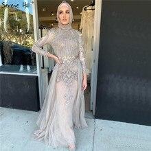 فستان سهرة فاخر ذو رقبة عالية من Serene Hill فستان سهرة فاخر ذو أكمام طويلة باللون الرمادي لعام 2020 فستان رسمي للحفلات مع قطار CLA70305